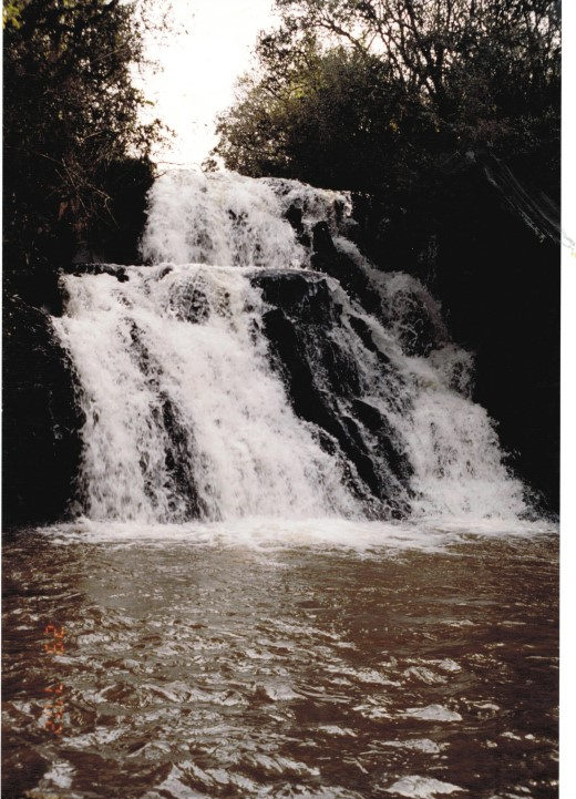 Cachoeira localizada no Ria Cachoeira