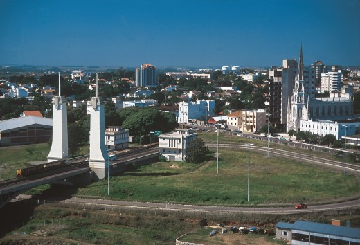 Vista aérea- cidade/ Ponte internacional